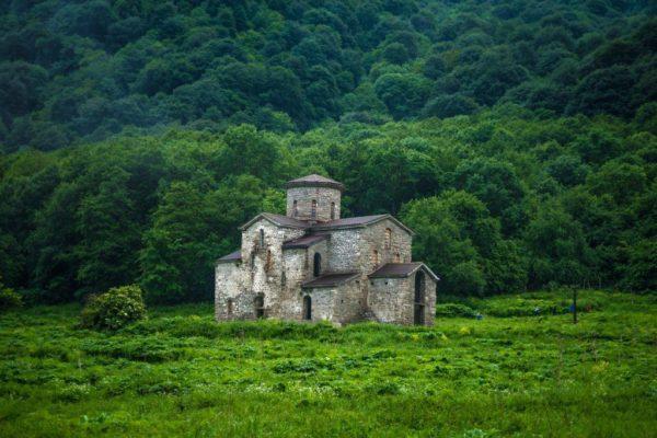Архыз. Церковь Святой Троицы