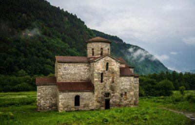 Туры в Карачаево-Черкесию (Сентинский и Шоанинский храмы)