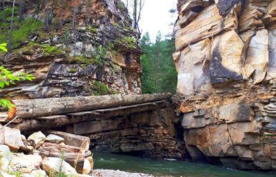 Путь через Худесское ущелье
