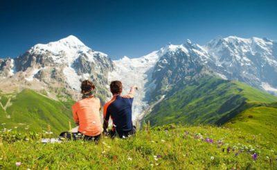 Туристы в горах Кавказа
